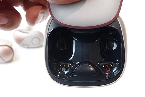 WF-SP700N,ワイヤレスヘッドホン,独立型,ノイズキャンセリング
